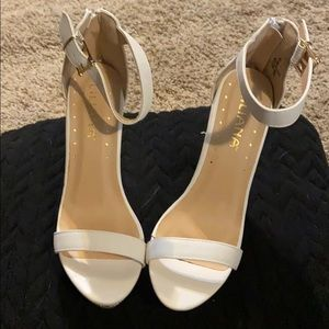 NWOT Wedge LILIANA heels